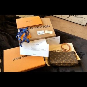 New Louis Vuitton Monogram Pochette Accessories